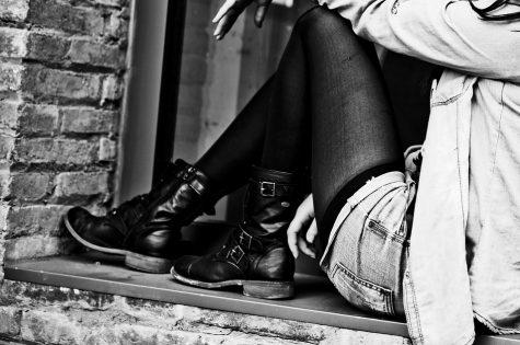 Staré oblečení nevyhazujte. Vytvořte si z něj módní trendy