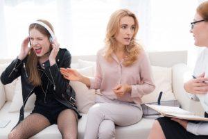Když z nás rodiče šílí – co teenageři dělají a rodiče se z toho mohou zbláznit