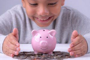 Děti, které vydělávají víc než dospělí. Jak se jim to povedlo?