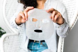 Textilní pleťová maska je malý zázrak… Už jsi ji vyzkoušela?